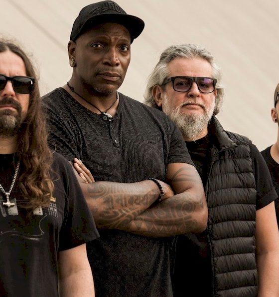 """Sepultura lança """"Apes of God"""" com Rob Cavestany do Death Angel"""