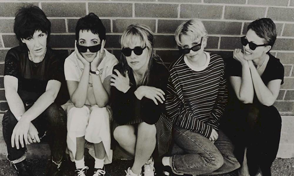 """The Go-Go's relança álbum de estreia """"Beauty & The Beat"""" em vinil rosa"""