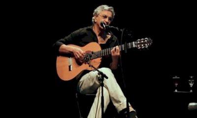 "Caetano Veloso: especial ""Vamos Tocar"" será exibido na TV paga"