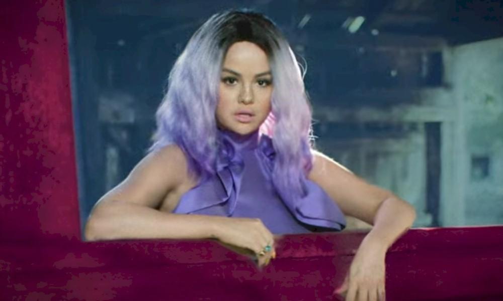 """Selena Gomez lança a faixa em espanhol """"999"""" com parceria de Camilo"""