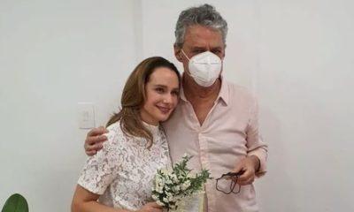 Chico Buarque se casa com Carol Proner no Rio de Janeiro