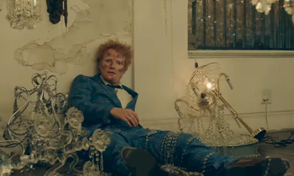 "Ed Sheeran traz referência visual de Elton John no clipe de ""Shivers"""