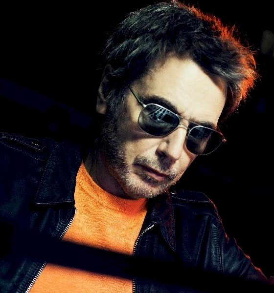 "Jean-Michel Jarre lança o álbum ao vivo ""Welcome to the Other Side"""
