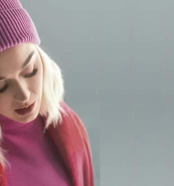"""Katy Perry dá nova roupagem ao clássico """"All You Need Is Love"""" dos Beatles"""